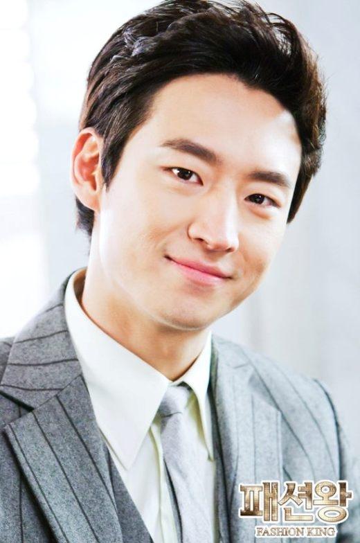 'Tan chảy' vì những nụ cười tỏa nắng của mỹ nam xứ Hàn