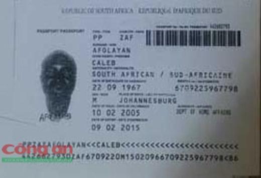 Tấm hộ chiếu mang tên Afolayan Caleb được xác định là giả