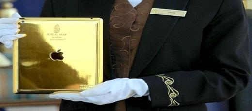 Phiên bản Ipad bằng vàng ở khách sạn Burj Al Arab.