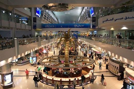 Sự sang trọng đang chờ đón bạn, ngay khi bạn vừa đặt chân xuống sân bay quốc tế Dubai, sân bay lớn nhất hành tinh.