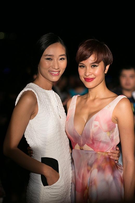 Diễn viên Phương Mai cũng tới chúc mừng Trang Khiếu