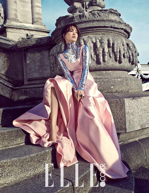 Song Hye Kyo hết lời khen ngợi trai đẹp Song Joong Ki