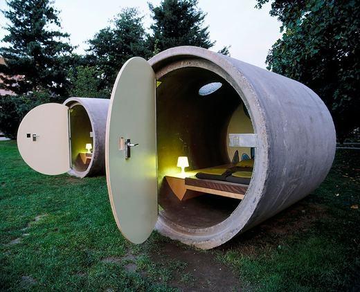 Ống cống cũng được tận dụng làm nhà.