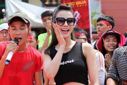 Trang Pháp nhiệt tình cổ vũ Diệp Lâm Anh - Tin sao Viet - Tin tuc sao Viet - Scandal sao Viet - Tin tuc cua Sao - Tin cua Sao