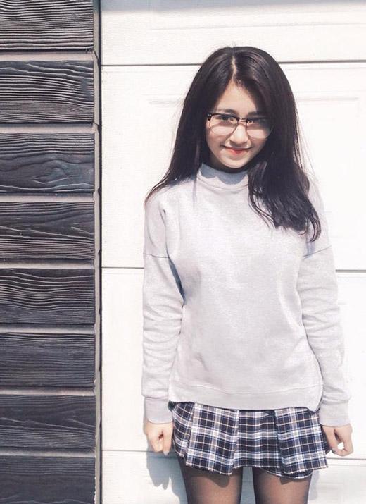 Mẫn Tiên còn sở hữu giọng hát ngọt ngào, dễ thương và thường cover các ca khúc hit theo phong cách của mình.