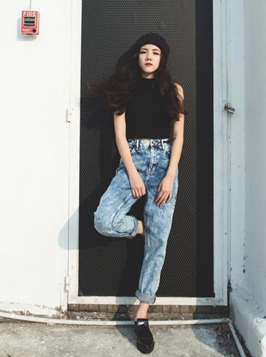 Nhờ gout thời trang cá tính và cực chất, Phương Ly được xem như một fashionista mới của giới trẻ.