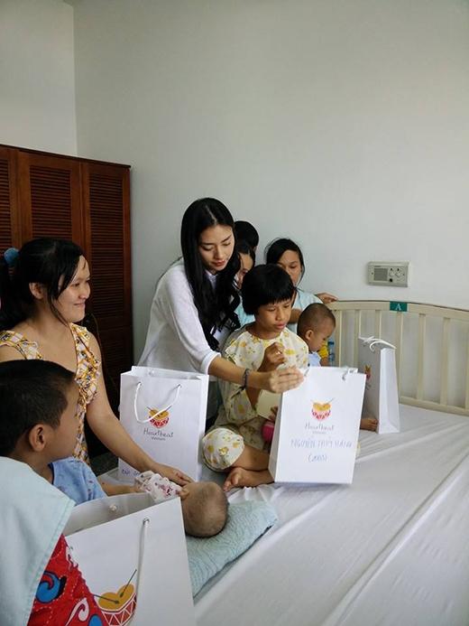 Nức lòng vì những nghĩa cử cao đẹp của sao Việt - Tin sao Viet - Tin tuc sao Viet - Scandal sao Viet - Tin tuc cua Sao - Tin cua Sao