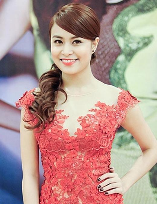 Nhưng tới năm 2010, Hoàng Thùy Linh bất ngờ tung album Hoàng Thùy Linh với dòng nhạc dance pop. Những bài hát trong album của cô nhận được rất nhiều sự ủng hộ của người hâm mộ và khán giả yêu nhạc. Từ đó trở đi, cô tiếp tục phát triển sự nghiệp ca hát của mình với những album, video và nhận được sự yêu mến từ mọi người.
