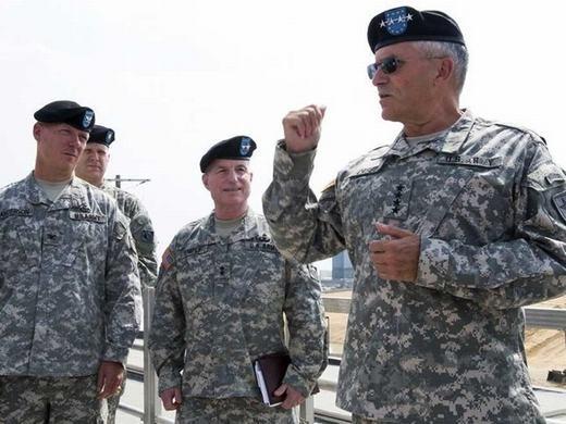 """Chỉ huy quân đội cũng căng thẳng không kém khi phải """"điều binh khiển tướng"""" hợp lí. Điểm xếp hạng mức căng thẳng là 63.11, lương trung bình năm: 196.300 USD."""