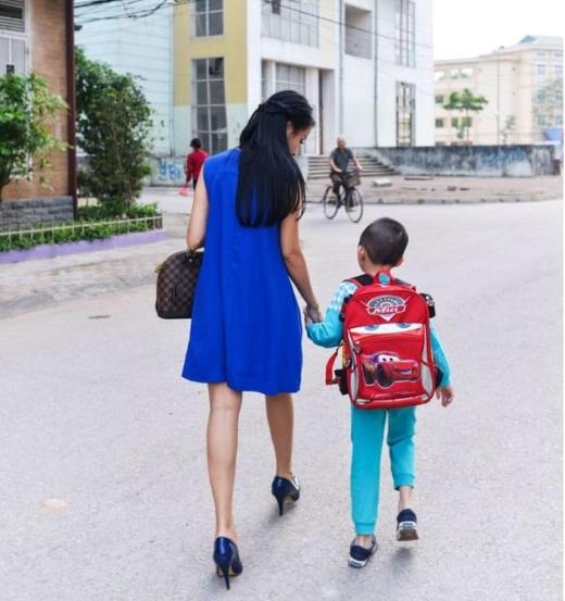 """Những """"thiên thần nhí"""" siêu yêu của các bà mẹ hot girl Việt"""