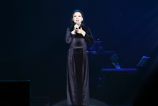 Đây là những ca khúc mà người chồng quá cố của Khánh Ly yêu thích nhất qua tiếng hát của cô. - Tin sao Viet - Tin tuc sao Viet - Scandal sao Viet - Tin tuc cua Sao - Tin cua Sao