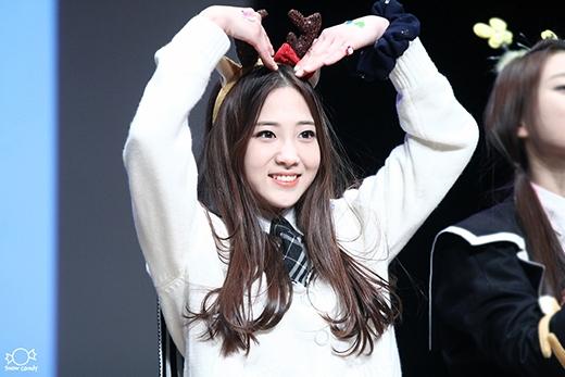 Jiae (Lovelyz) cuốn hút người khác bằng nét đẹp đáng yêu và ngây thơ của mình.