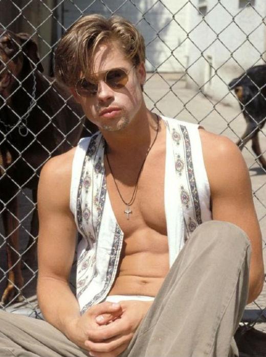 Với vẻ đẹp khó cưỡng lại này, không có gì là khó hiểu khi Brad Pitt đã nhiều lần được bình chọn là một trong những người đàn ông hấp dẫn nhất thế giới. Anh luôn khiến hàng triệu trái tim trên thế giới mê mẩn không chỉ với ngoại hình mà còn bởi tài năng của mình.