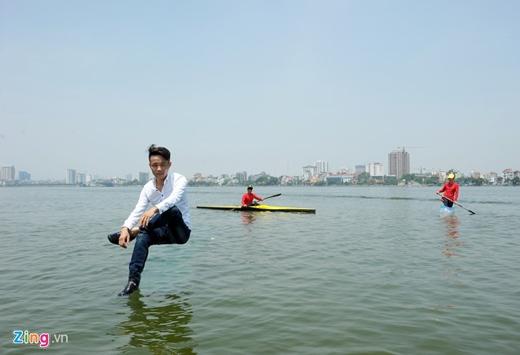 Quý từng đi thi Vietnam Got Talent 2014, vào đến vòng 100 người xuất sắc rồi bị loại trước ngưỡng cửa bán kết.