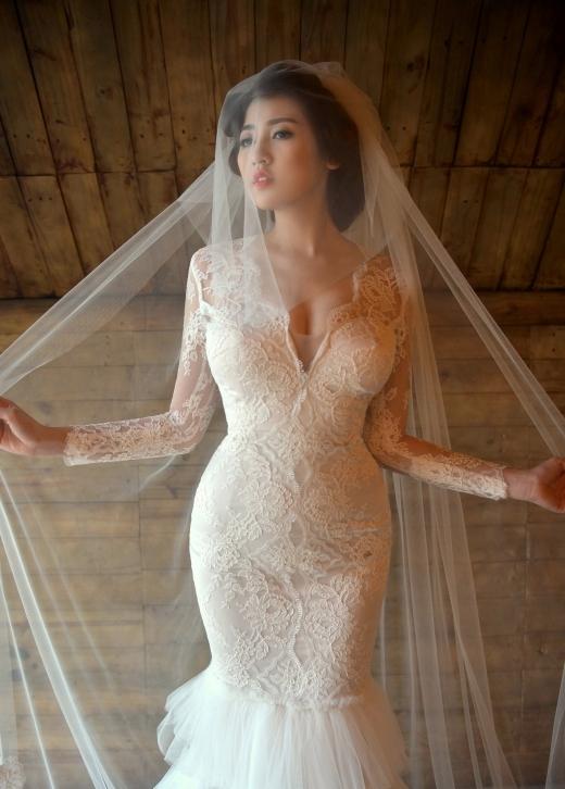 Á hậu Tú Anh khoe nét đẹp kiều diễm với váy cưới - Tin sao Viet - Tin tuc sao Viet - Scandal sao Viet - Tin tuc cua Sao - Tin cua Sao