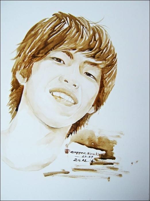 """Chàng trai 9X vẽ tranh bằng cà phê """"siêu sống động"""""""