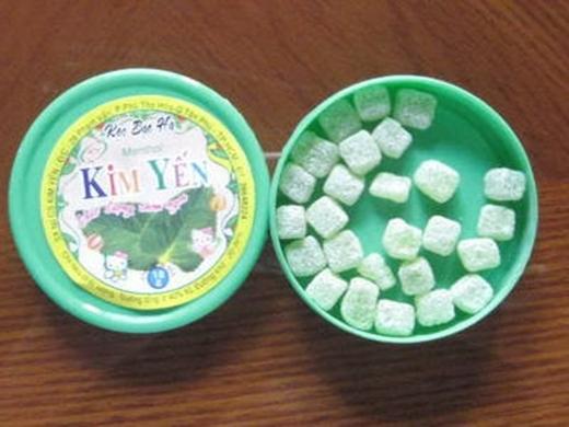 Kẹo dẻo trái cây nhiều vị. Ngày xưa mỗi 1 hộp kẹo dẻo chỉ có 500 đồng.
