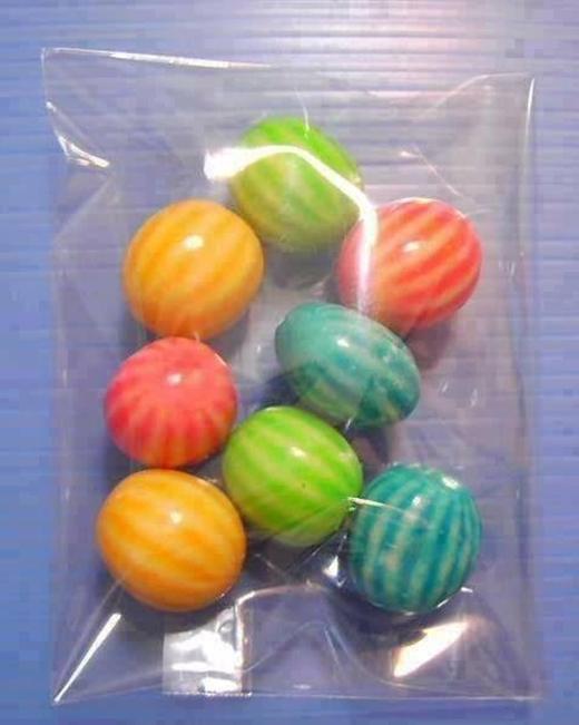 Kẹo cao su sọc dưa cũng là một trong những món ăn được trẻ em thời đó cực yêu thích.