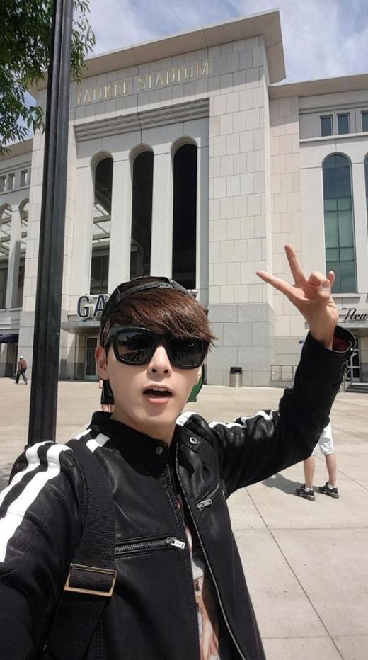 Ryeowook tận hưởng chuyến du lịch tại New York