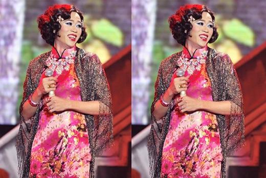 Không thể phủ nhận sự duyên dáng củaHoài Linhkhi hóa trang nữ giới. - Tin sao Viet - Tin tuc sao Viet - Scandal sao Viet - Tin tuc cua Sao - Tin cua Sao