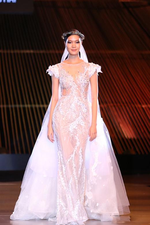 Thùy Dung đăng quang Hoa hậu Việt Nam 2008. Ngoài danh hiệu một người đẹp, cô cũng tham gia trình diễn thời trang cho một số show diễn mang tính ngoại giao cũng như những nhà thiết kế thân thiết. Thùy Dung cao 1m80.