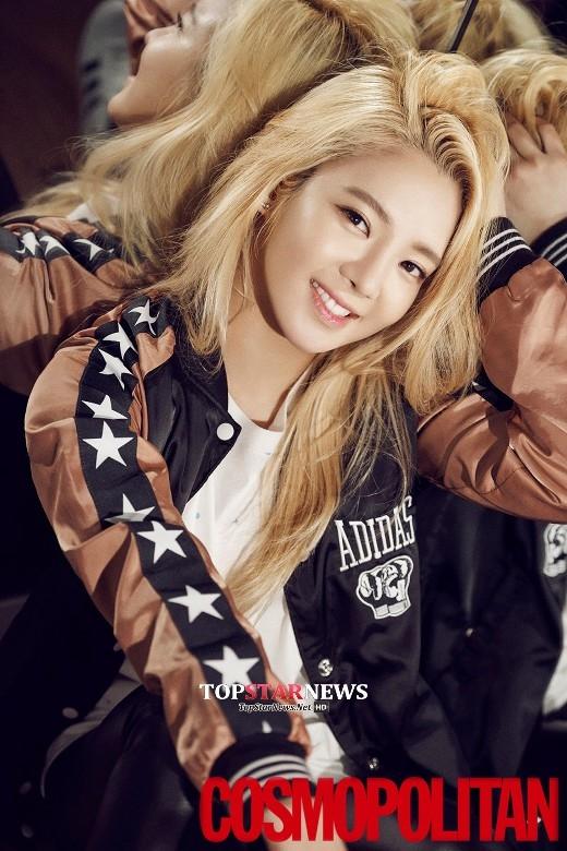 """Chia sẻ trong chương trình Win Win, SNSD """"tố"""" Hyoyeon có thói quen khi xỉn vô cùng đáng yêu. Những phát ngôn linh tinh, không đâu vào đâu cùng sự thành thật khi ấy của cô nàng khiến các thành viên còn lại không khỏi bật cười."""