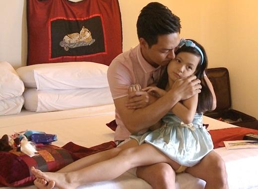 Hình ảnh buồn bã của bố con Phan Anh – Bo khi xem lại những khoảnh khắc và kỷ niệm đáng nhớ trong thời gian tham gia chương trình. - Tin sao Viet - Tin tuc sao Viet - Scandal sao Viet - Tin tuc cua Sao - Tin cua Sao