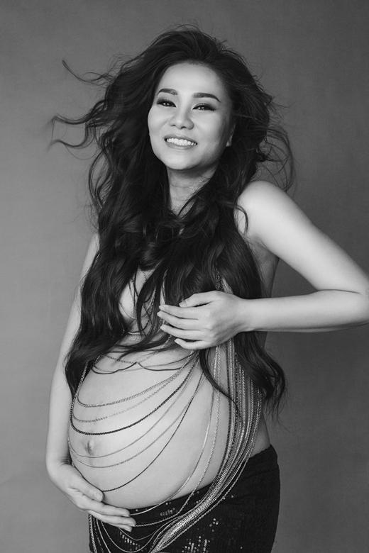 Bà mẹ Thu Minh vô cùng sành điệu lưu giữ lại những bức ảnh trước khi hoàng tử bé ra đời. - Tin sao Viet - Tin tuc sao Viet - Scandal sao Viet - Tin tuc cua Sao - Tin cua Sao