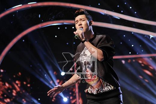 Dù lọt top nguy hiểm nhưng anh chàng em trai ca sĩ Hồ Vĩnh Khoa vẫn không làm ảnh hưởng đến phần thi sing-off của mình. Ca khúc nhận được sự ủng hộ nhiệt tình của khán giả.