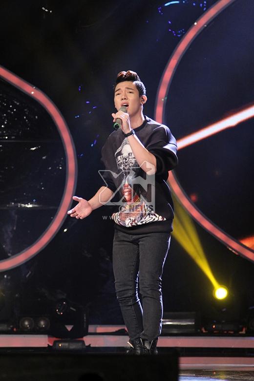 Tiếp tục khoe giọng hát ngọt ngào, lãng mạn, Nguyễn Duy với Remember when đã đốn tim khán giả có mặt tại trường quay.