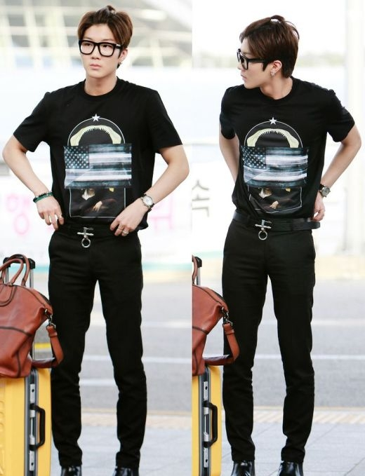 """Không chỉ thu hút với phong cách thời trang """"chất lừ"""", Seunghoon (Winner) còn khiến các fan không khỏi """"phát cuồng"""" với chỏm tóc cột đáng yêu."""
