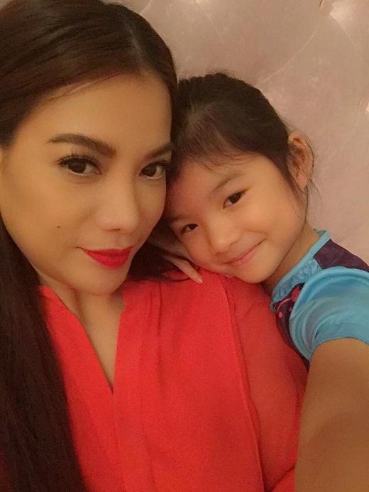 Những hình ảnh đáng yêu của hai mẹ con Trương Ngọc Ánh - Tin sao Viet - Tin tuc sao Viet - Scandal sao Viet - Tin tuc cua Sao - Tin cua Sao