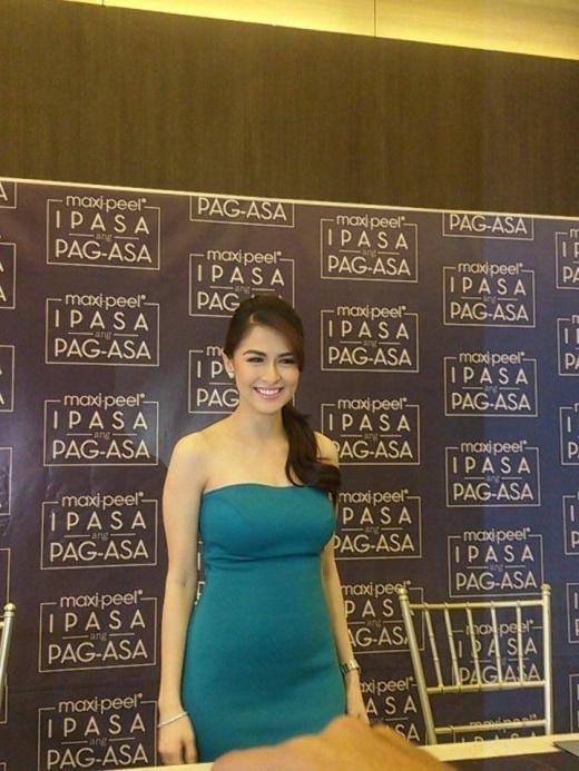 """""""Mỹ nhân đẹp nhất Philippines"""" Marian Rivera diện váy bó khoe bụng bầu"""