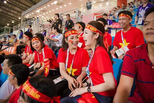 Ngay khi bàn thắng đã đến với đội tuyển Việt Nam... - Tin sao Viet - Tin tuc sao Viet - Scandal sao Viet - Tin tuc cua Sao - Tin cua Sao