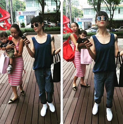 Mới đây nhất, Thảo Trang đã chia sẻ hình ảnh mình đang vào vai một vú em bất đắc dĩ, khi phải vừa tay xách nách mang vừa phải trông chừng một em bé. Hình ảnh này đã khiến các fans của cô phải bật cười.