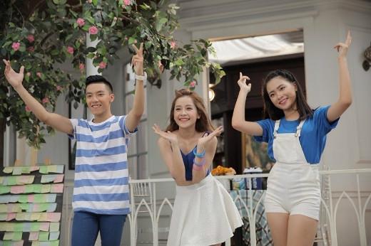 Trông cô nàng thật rạng rỡ với phong cách NESTEA Năng động cùng với cặp đôi thí sinh đến từ Hà Nội - Tuấn Đạt và Quỳnh Hương.