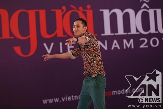 """Chàng tài xế taxi tán tỉnh Thanh Hằng bằng """"mỹ nam kế"""""""