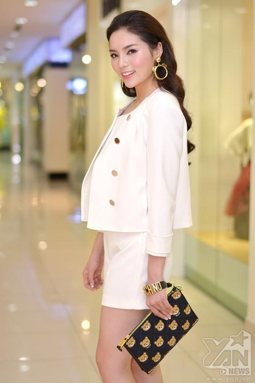 Hoa hậu Kỳ Duyên giản dị nhưng vẫn xinh đẹp - Tin sao Viet - Tin tuc sao Viet - Scandal sao Viet - Tin tuc cua Sao - Tin cua Sao