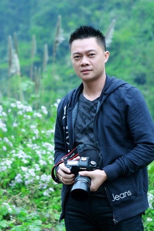 BTV, MC Trần Quang Minh:Phó phòng Tương tác nội dung của Ban Thanh thiếu niên (VTV6) là con trai của cố nhà báo kỳ cựu Trần An Duyệt. Anh từng ví bố mình như cuốn Bách khoa toàn thư mà anh mới học được một nửa.Ảnh:FBNV. - Tin sao Viet - Tin tuc sao Viet - Scandal sao Viet - Tin tuc cua Sao - Tin cua Sao