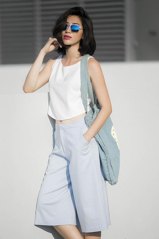 Ngoài mũ fedora, chiếc quần culottes cũng trở thành một từ khóa thời trang được phái đẹp tìm kiếm nhiều nhất trong mùa hè năm nay. Những gam màu pastel dịu nhẹ luôn là lựa chọn hàng đầu tạo nên cảm giác thoải mái, mát mẻ trong những ngày hè.