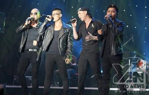 Phan Đinh Tùng và các thành viên còn lại của MTV vẫn biểu diễn rất ăn ý với nhau như thưở ban đầu. - Tin sao Viet - Tin tuc sao Viet - Scandal sao Viet - Tin tuc cua Sao - Tin cua Sao