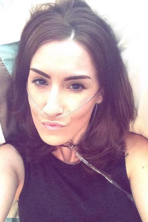Cảm phục cô gái từ chối phẫu thuật để sống trọn vẹn 1 năm cuối đời