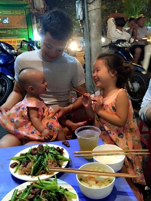 Ba bố con Hồng Đăng luôn dính lấy nhau như hình với bóng. - Tin sao Viet - Tin tuc sao Viet - Scandal sao Viet - Tin tuc cua Sao - Tin cua Sao