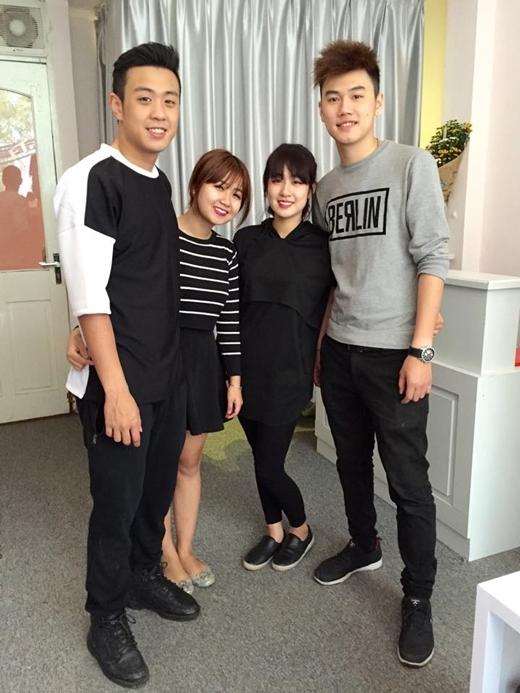 HuyMe và người yêu hot girlHương Giang, cùng vớiThu Trang và người yêu.