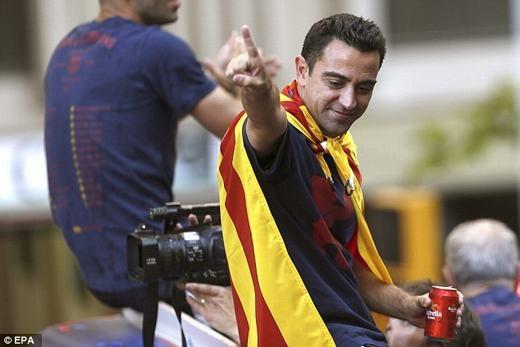Xavi có màn chia tay tưng bừng với Barcelona.