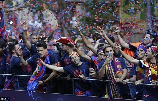Thành phố Barcelona như ngày hội.