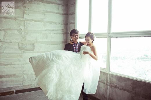 Không chỉ ăn ý trong quá trình dẫn dắt chương trình, Kim Nhã - Quang Bảo cũng rất đắt show chụp hình thời trang trong vai trò tình nhân
