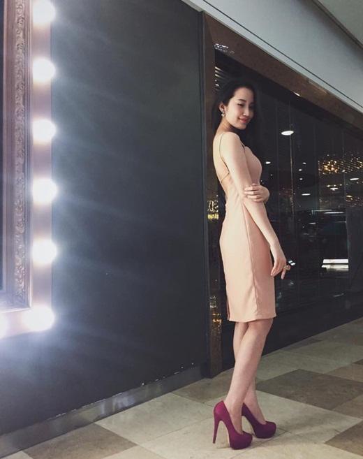 Primmy Trương cũng là một cái tên không còn xa lạ trong giới teen Việt. Cô nàng diện một bộ đầm vô cùng quyến rũ trong bữa tiệc sinh nhật Isaac - 365.