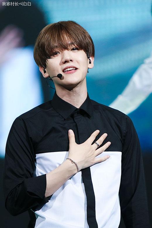 Bên cạnh gương mặt trẻ con đáng yêu, Baekhyun còn sở hữu giọng hát ấm áp và vô cùng tình cảm. Dù chỉ mới ra mắt 3 năm, nhưng Baekhyun cũng dành được rất nhiều tình cảm của các fan trong và ngoài nước. Ngoài ra, sự linh hoạt và lém lỉnh của anh trên sân khấu cũng đủ đốn tim các fan dù trong bất cứ hoàn cảnh nào.