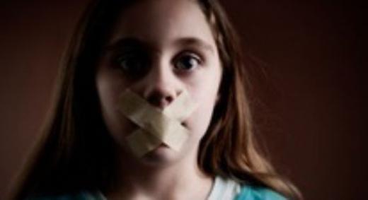 Khoe ảnh trẻ con trên mạng - dẫn đường cho quái vật đến nhà